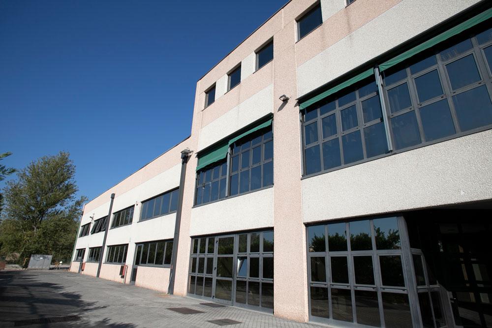 Frontale Azienda Officine Meschieri